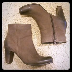 Ecco brown leather ankle boots - size 40